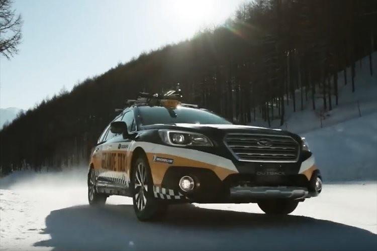 """【動画】毎年大盛況の""""ゲレンデタクシー""""が今年もリフトのように雪山を駆け上る!"""