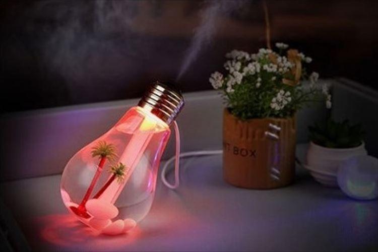 この発想はなかった! 七色に変化する電球型の加湿器が登場…インテリアにもよさそうだ!