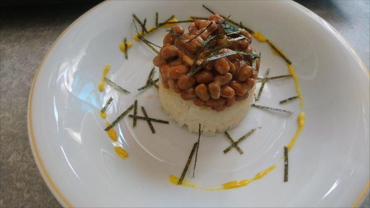 ナイフとフォークのご用意を。ただの納豆ごはんをフランス料理にする方法が話題に!