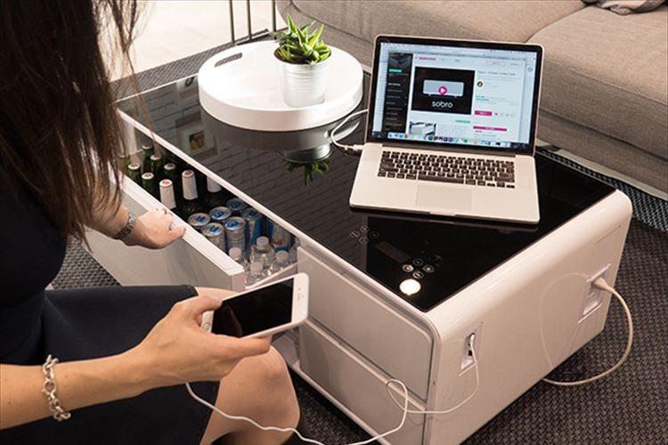 コレがあれば事足りる!? 部屋から一歩も動かなくなりそうなコーヒーテーブルが開発される!