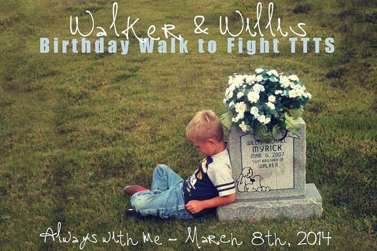「いつも一緒だよ…」亡くなった双子の兄弟とお墓で祝うバースデー