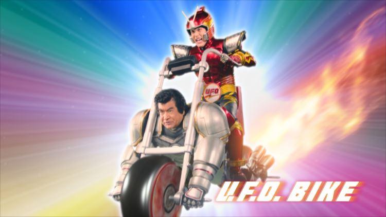 藤岡弘、さん何やっているんですか!?ぶっ飛んでいる焼きそばUFOのCMでついにバイクになる