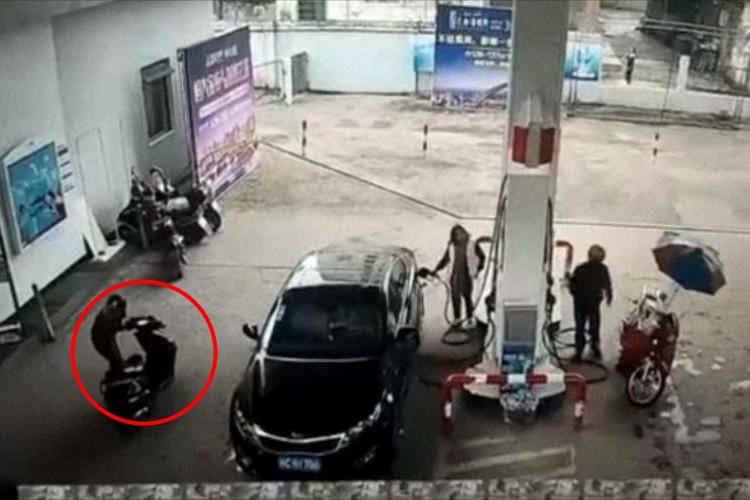 【因果応報】ガソリンスタンドで隙を突いて車上荒らし!逃走する犯人に思わぬ悲劇が・・・