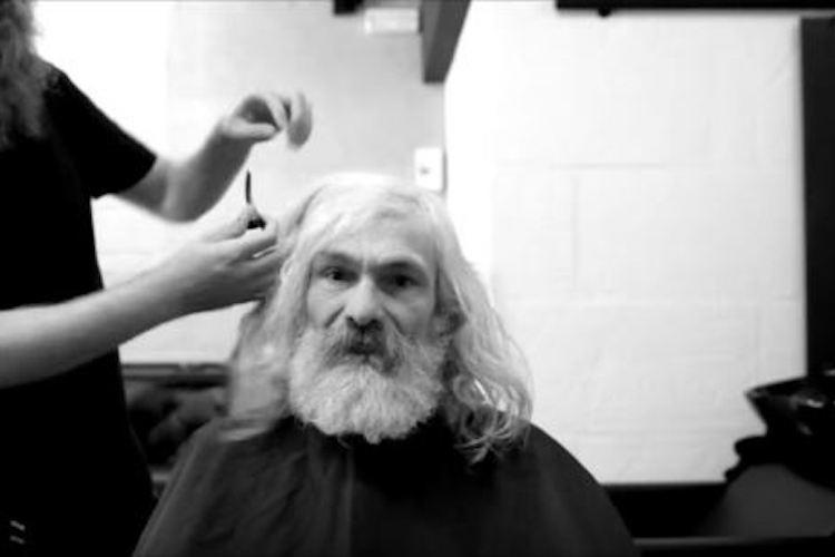 55歳ホームレスの男性がガラッとイメチェンした結果、人生にも大きな変化が