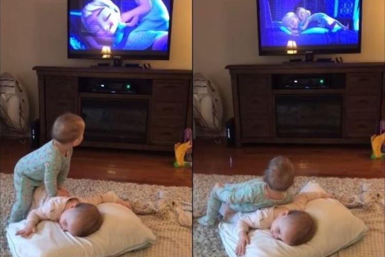 「アナと雪の女王」の完コピする双子の赤ちゃんが可愛すぎる