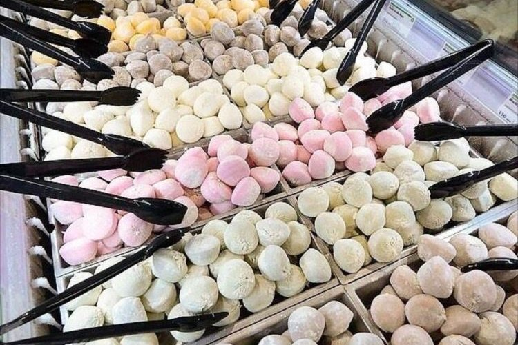 雪見だいふくの大海原や~!米国スーパーで売られる大量の「モチ・アイスクリーム」がゴイスー!