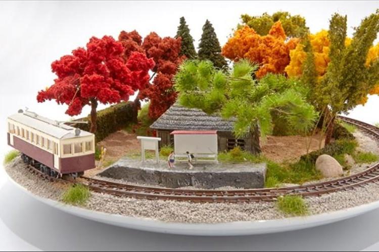 ジオラマ界の新ジャンル!? 鉄道ジオラマと盆栽が美しく融合した「盆ラマ」が話題に!
