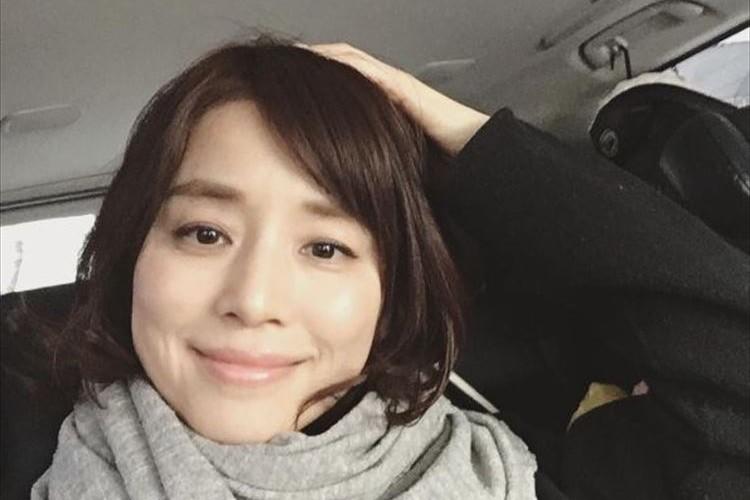石田ゆり子が幻の短い前髪時代の写真を公開! 「似合ってる」「素敵」と大反響