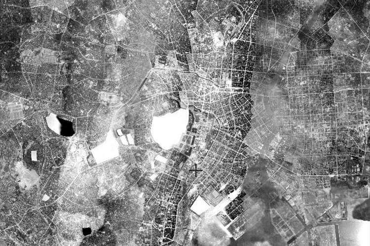 【貴重】戦前の昭和11年頃に撮影された空中写真が初公開!! 東京駅東側には外濠が!