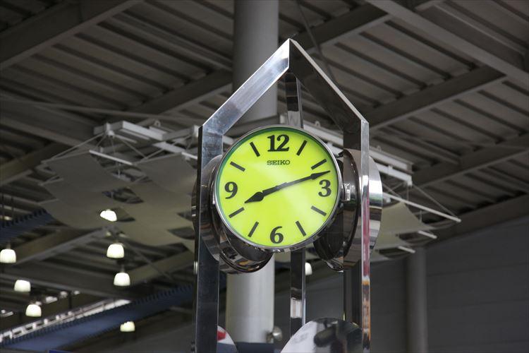 遅刻魔の友達がいたら…待合せ時間を中途半端に設定する『タイムサブミッシブ』が効果的!?