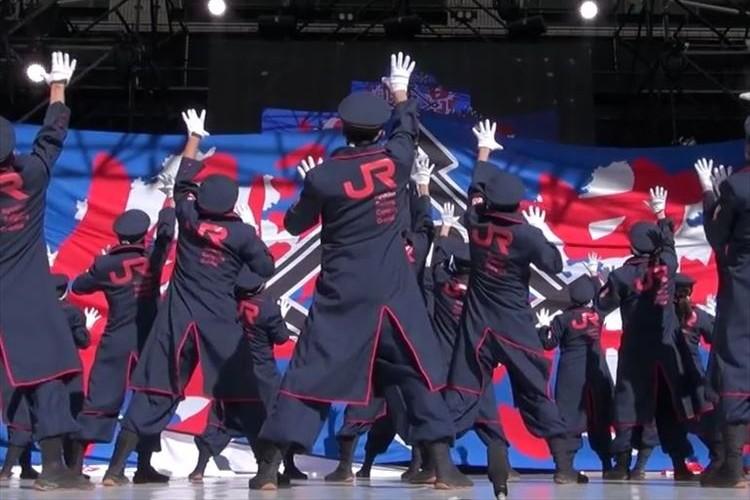 メンバー全員がJR九州のスタッフ! 硬派な『櫻燕隊』の演舞は何度見ても鳥肌モノ!! 人気ぶりに阪急電鉄も嫉妬