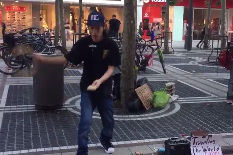 """世界を放浪する18歳の日本人パフォーマー""""こまたん""""のコマ廻しが凄い!"""