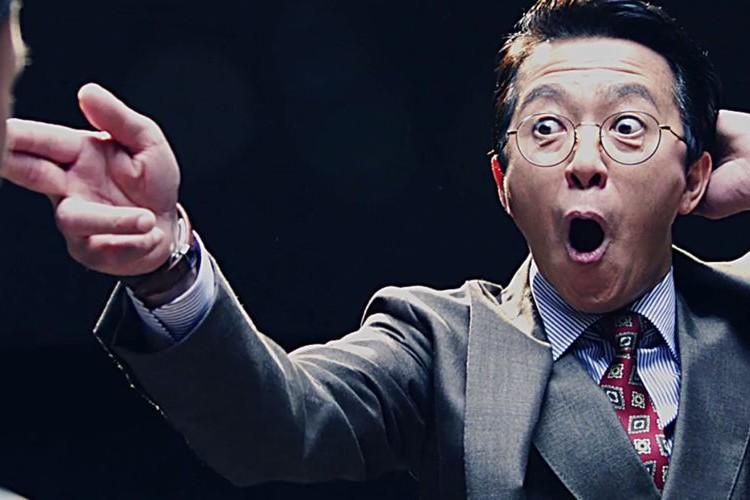 """日本初のブレイクダンサー、今年55歳の""""風見しんご""""が魅せるキレッキレの『サラリーマン交渉バトル』がヤバい!"""
