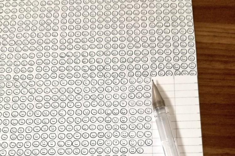 大変な自由研究、1本のボールペンの限界はスマイルマーク○○個分という事が判明!