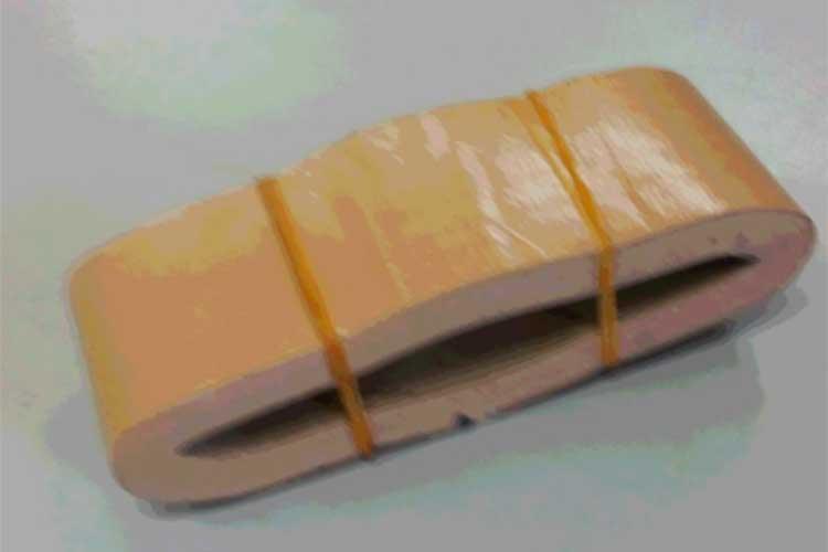"""【警視庁災害対策課が推奨】非常用袋の隙間にスッポリ!""""ガムテープの収納術""""が便利だと話題に!"""