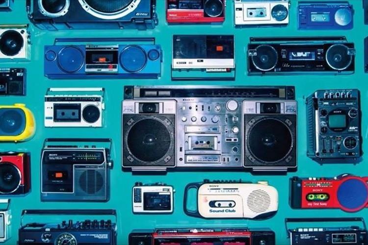 100台超のラジカセ&500本超のカセットテープを展示する「大ラジカセ展」が開催中!