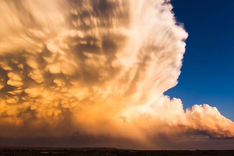 自然の脅威と美しさを痛感…スーパーセルを追い続けたタイムラプス映像が話題に!