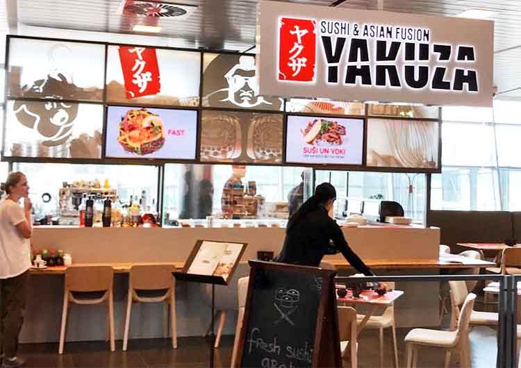 入る時に微妙にためらってしまう!?海外の寿司屋のネーミングが凄い!