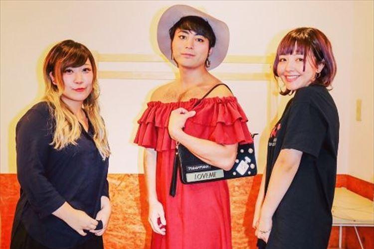 山田孝之がとある理由で女装を披露…足や胸の毛に注目が集まる「毛深い美人も良いですね」