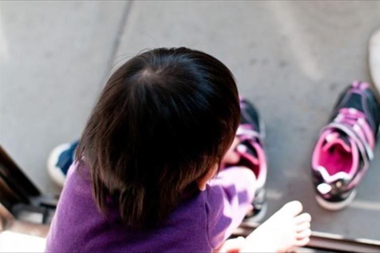 自閉症の子どものヘアカットをする美容師…その姿に「素晴らしい」と反響