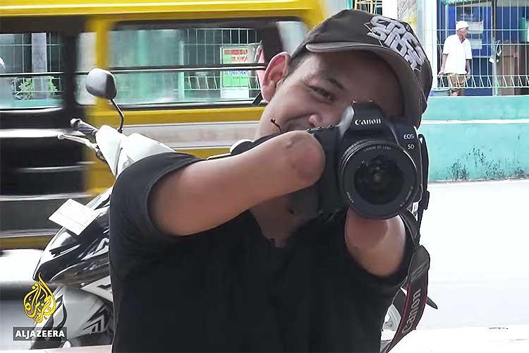 24歳、手足のないカメラマン…独自の創造性で私たちに観せてくれるもの
