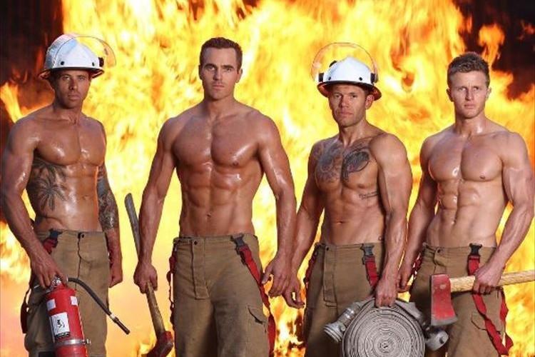マッチョ好きにはたまらない!?消防士カレンダーが登場…動物とも絡んでみたり