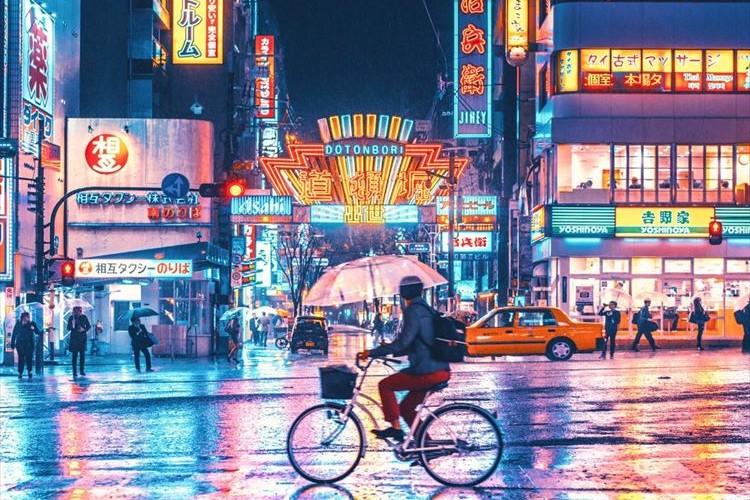 """まるで別世界のよう…台風が接近している中で撮影された""""大阪の街""""が幻想的で美しい"""