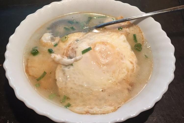 体が温まって美味しそう!台湾で終戦を迎えた親父の味『目玉焼きスープ』が話題に
