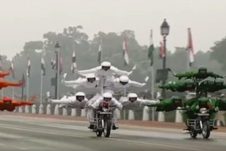 オバマ元大統領も大感激だった…インド軍のバイクパレードが凄すぎると話題!