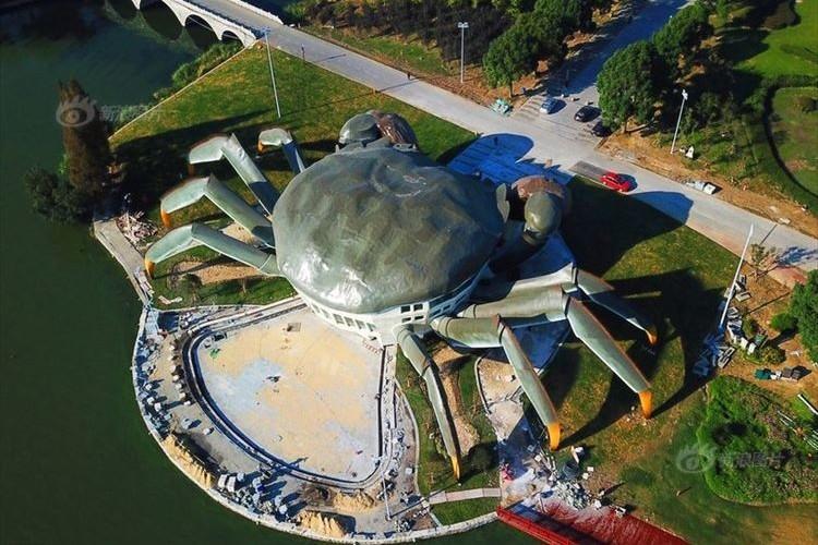 中国で来年オープンする上海蟹をモチーフにした施設がインパクト抜群!