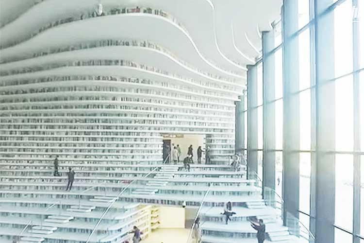まるでインターネットの世界に迷い込んでしまったよう…中国の巨大図書館が近未来感あふれる!