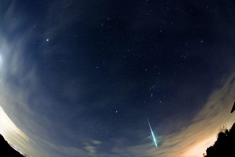 """【必見】""""ふたご座流星群""""が14日に極大!一晩で見られる流星数は年間最大!"""