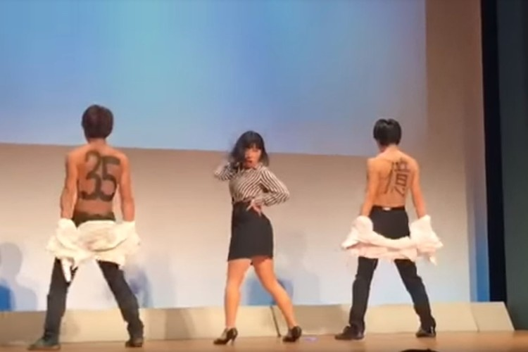 ブルゾンちえみのネタに合わせたキレッキレのダンスが凄すぎいると話題に!