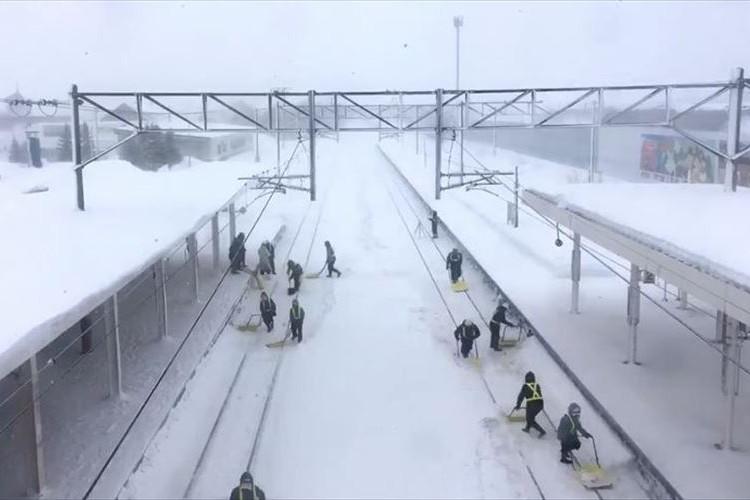 本当に頭が下がります…奈井江駅で撮影された『JR北海道の大変さがわかる映像』が話題に