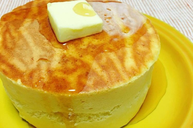 こんなパンケーキが夢だった!もっちりぶ厚いパンケーキを作れる秘密のレシピが話題