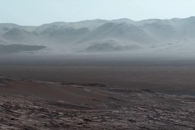 NASAの探査機が火星表面で撮ったパノラマ動画を公開!地表に立っているかのような臨場感!