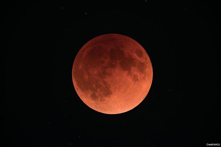 皆既月食の写真をSNSにアップしてはいけない理由に思わず吹いた!