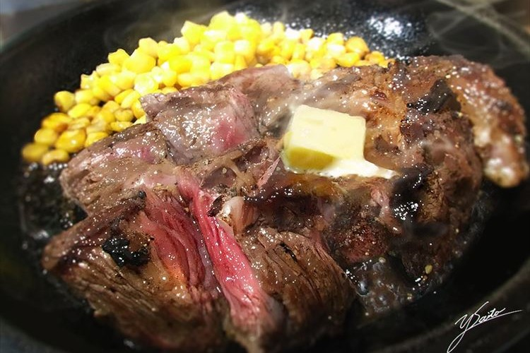 リアルすぎて信じられない!美味しそうなステーキの正体にビックリ!