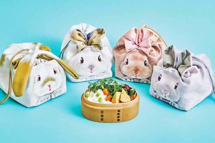 ピクニックのお供に…お耳がピョンとでる「うさぎランチきんちゃく」が可愛いと話題!