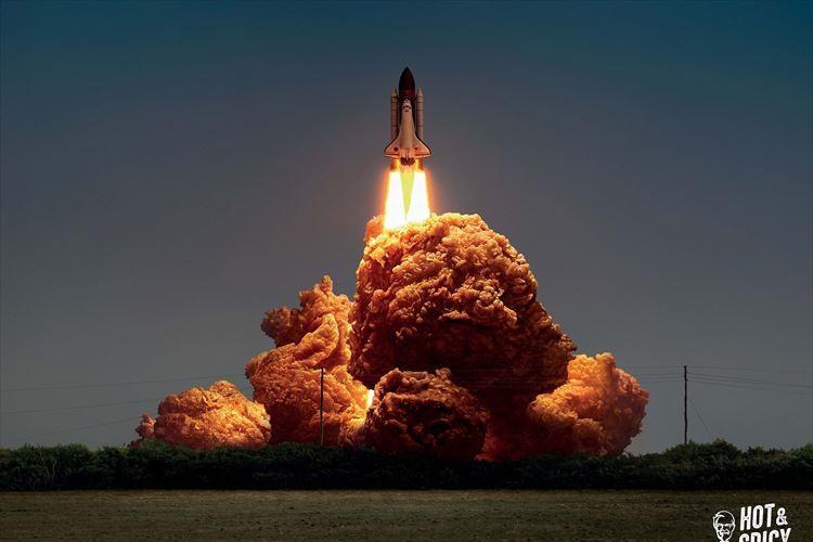 思わず2度見…爆発シーンをチキンに見立てた香港KFCの広告がユニーク!