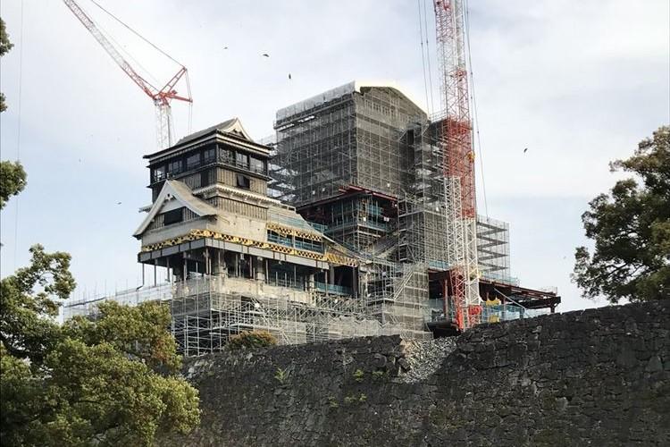 """今しか見られない!復旧中の熊本城がまるで""""要塞""""のようだと話題に"""