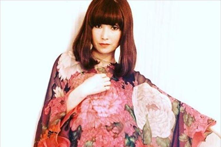 黒柳徹子さんが40代半ばの写真を公開…「素敵です」「衣装に負けないくらいお綺麗」等と反響