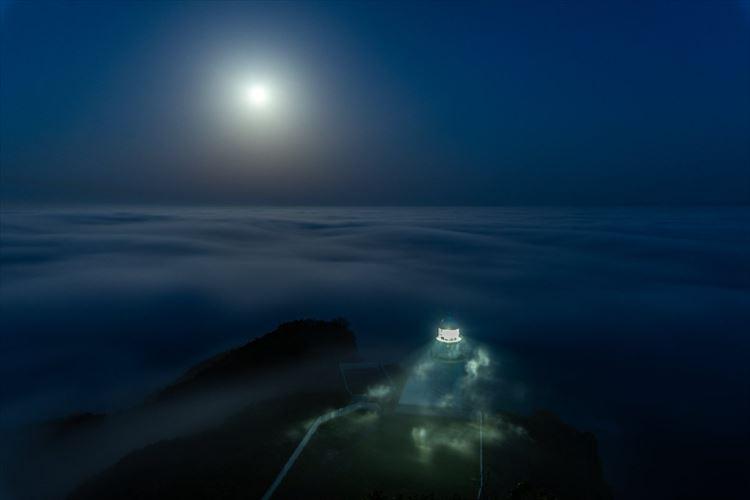 まるでファンタジーの世界にいるみたい…北海道の室蘭で撮影した景色が幻想的で美しい