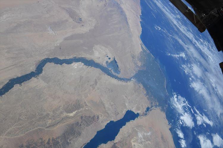 息をのむ壮大さに感動!宇宙からくっきり見える『ナイル川』が話題に