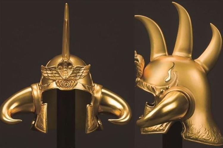 世紀末覇者「拳王」を名乗れる!?北斗の拳グッズ最高額250万円の純金製の拳王兜が発売!