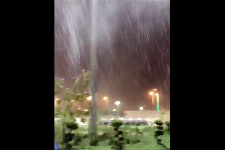 【動画】1日で約3年分の降水量…オマーン南部を襲ったサイクロンが凄まじい