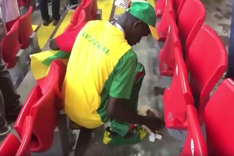 セネガルのサポーターも試合後にゴミ拾い…日本のサポーターの取組みが世界へ伝播