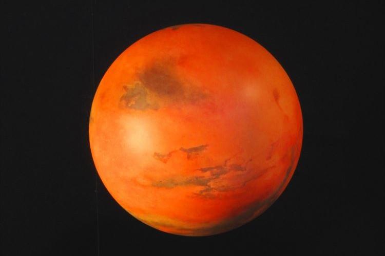 7月31日は赤く輝く火星に注目!15年ぶりに火星が地球に大接近するぞー!