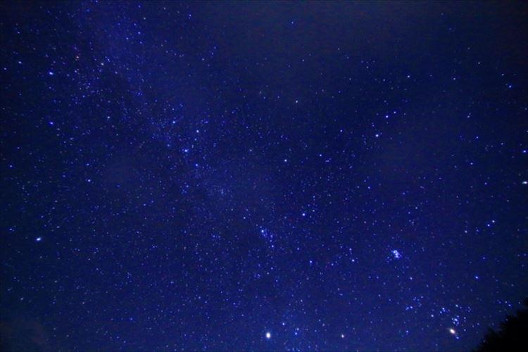8月13日に極大を迎えるよ!三大流星群の一つ「ペルセウス座流星群」を見よう!