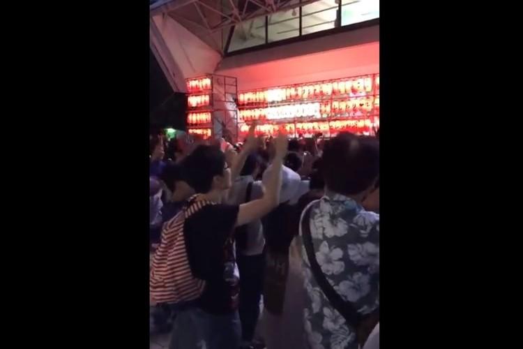 ボン・ジョヴィの楽曲で盆踊りをする動画に絶対楽しいと反響!「これが盆ジョビ踊りか」